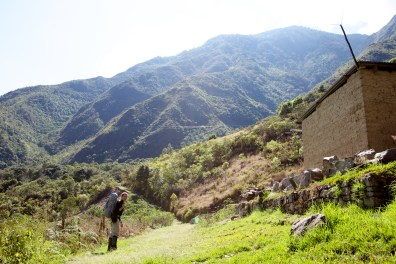 hiking-out-of-the-valley_4999942757_o