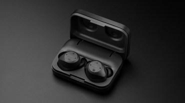 Jabra Elite Sport Headphones in Case