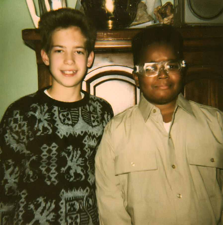 Yes, I actually wore it that way to school dances. This is my friend DuiJi and I before going to one.