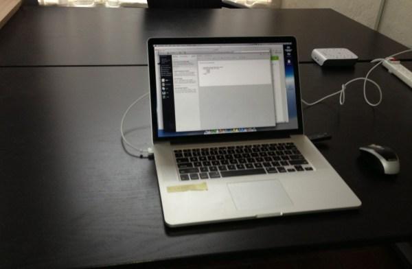 empty desk_crop