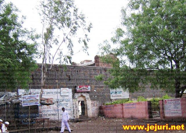 shegud khandoba gate