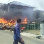 'Sijago Merah' Lalap Dua Unit Rumah di Ujung Padang