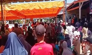 Bagi Bansos Undang Kerumunan, Kapolres Sibolga Bubarkan Massa