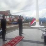 Kapolres Tapsel Irup Upacara Penurunan Bendera Merah Putih