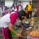 """Jumat Barokah"" Polres Padangsidimpuan Bagikan Nasi 200 Kotak"