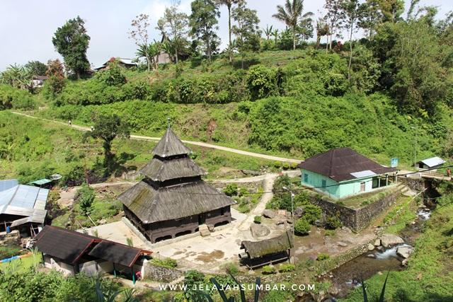 lokasi masjid tuo kayu jao dekat alahan panjang