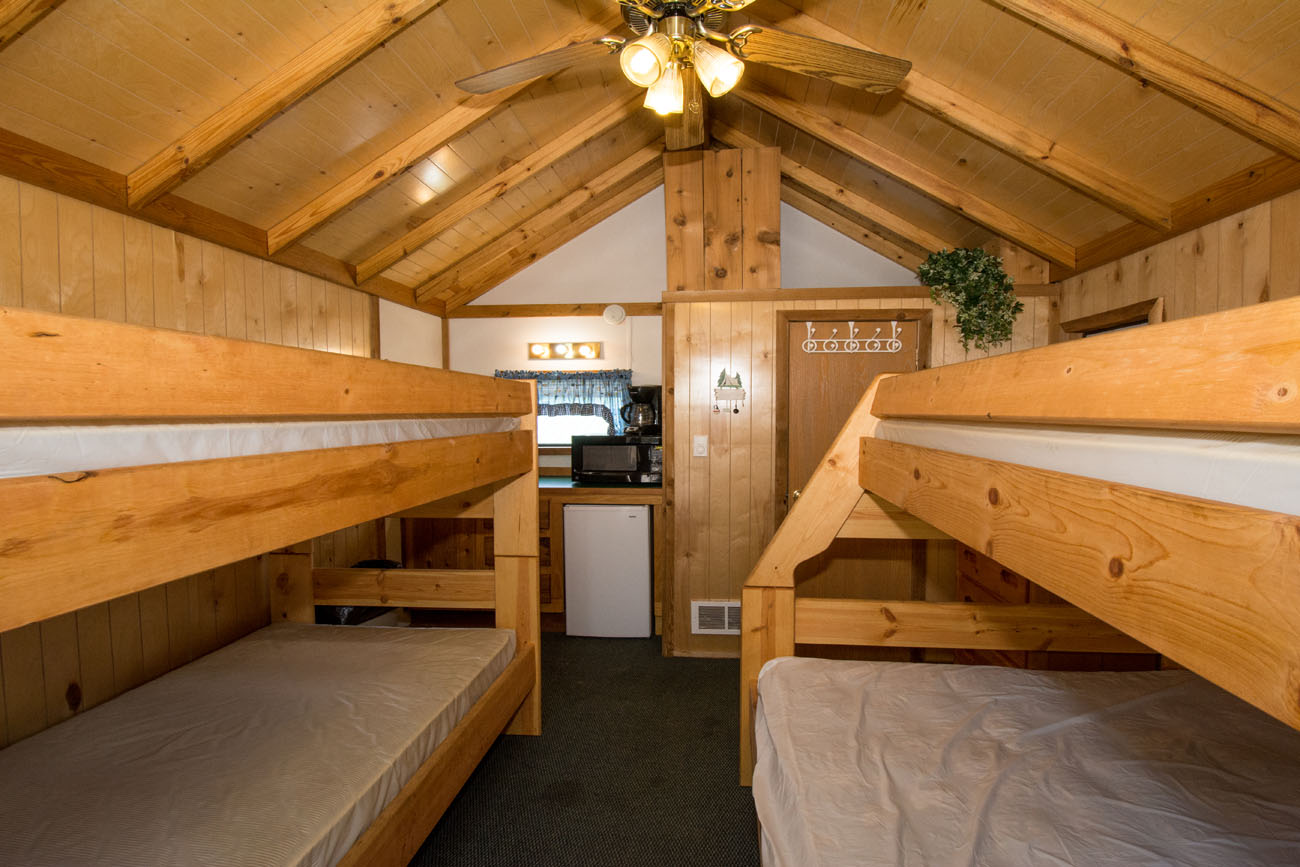 Cozy Cabin Yogi Bear S Jellystone Park