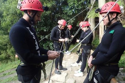Apprentissage de la descente à Waitomo