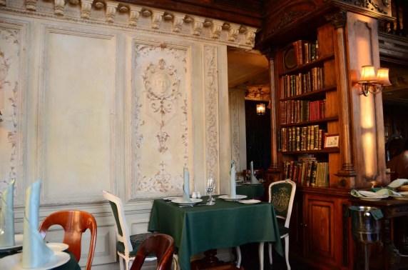 Table au Café Pushkin