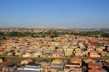 Toits ocre de Soweto