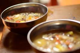 Diner avec les hotes dans l'Orkhon