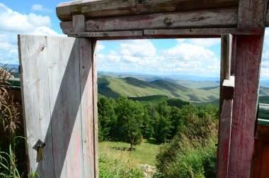 Porte du monastère de Tovkon