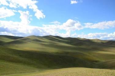 Montagnes du Naiman Nuur
