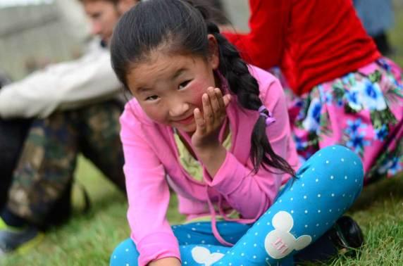 Portrait d'une spectatrice de lutte mongole