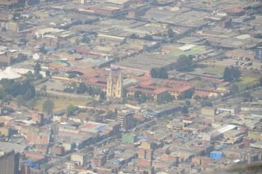 Zoom sur Bogotá depuis la colline