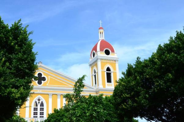 Cathédrale depuis la place
