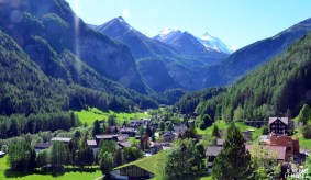 Vue sur le village du GrossGlockner
