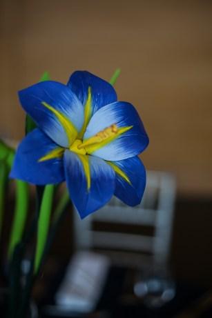 Bright wooden flower centerpieces