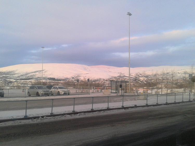 Carnet voyage Norvège : La sortie de l'aéroport de Tromsö