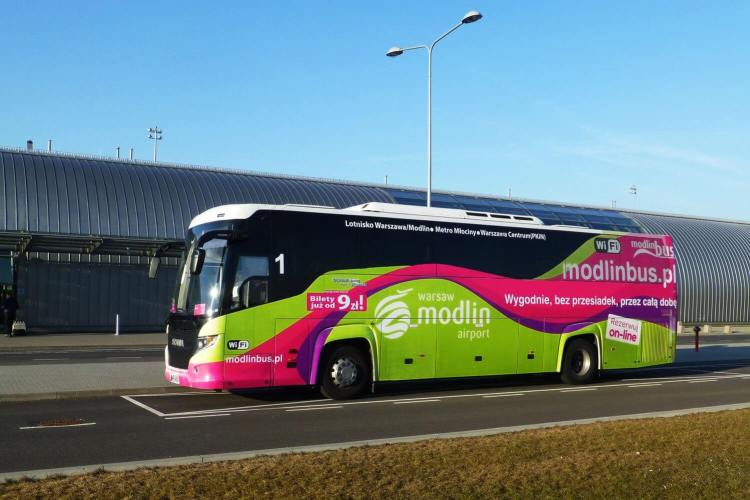 modlin bus varsovie