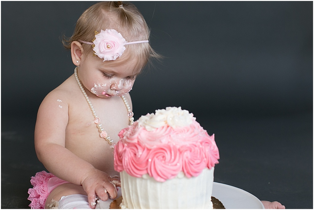 Maryland_family_Photographer_Aubree_Cake_Smash_first_Birthday_0027