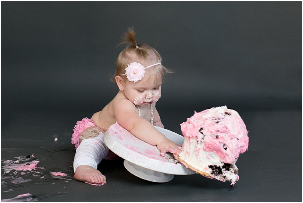 Maryland_family_Photographer_Aubree_Cake_Smash_first_Birthday_0033