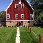 MomDay Mondays: A Barn Wedding and a Toast