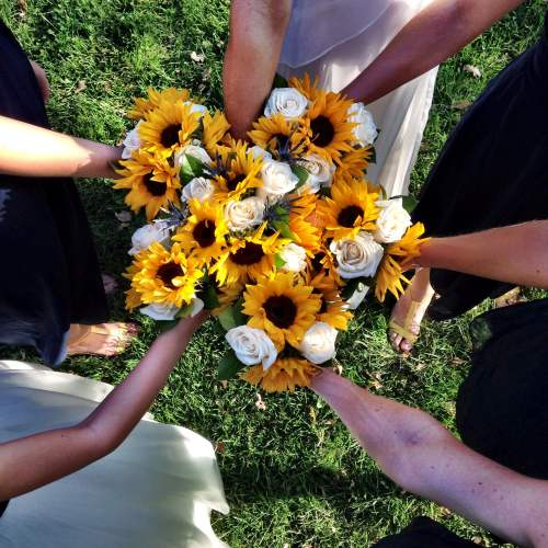 bridal bouquet circle