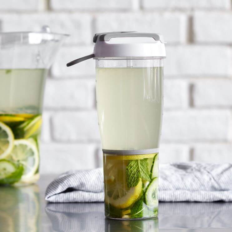 infusion-water-bottle-pampered-chef