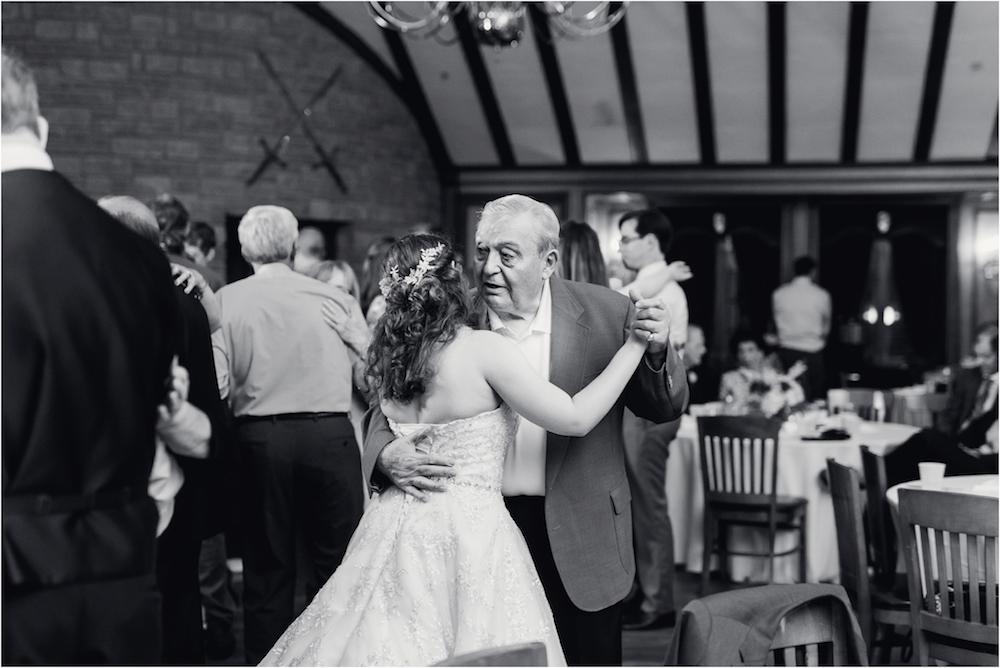 downtown-detroit-classic-elegant-wedding-photo-174.jpg