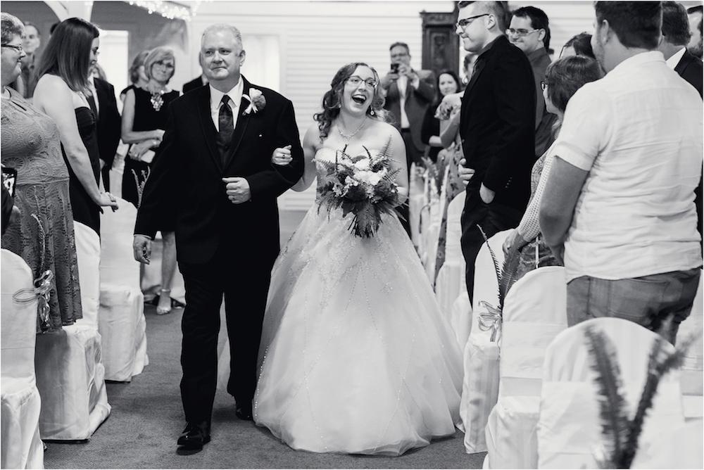 downtown-detroit-classic-elegant-wedding-photo-36.jpg
