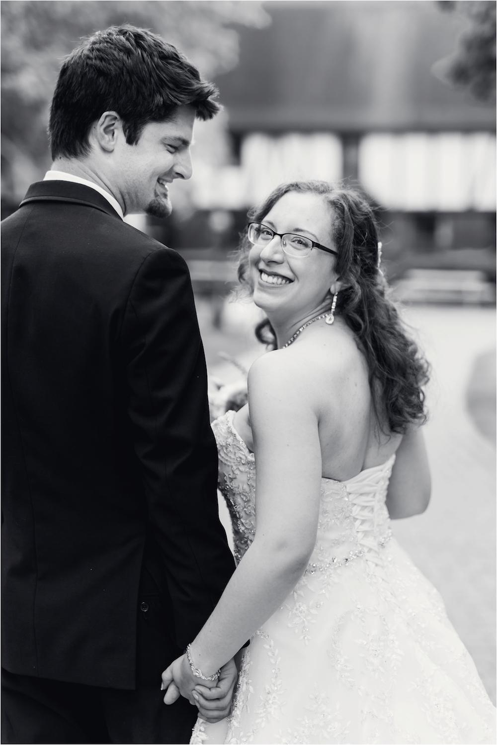 downtown-detroit-classic-elegant-wedding-photo-73.jpg