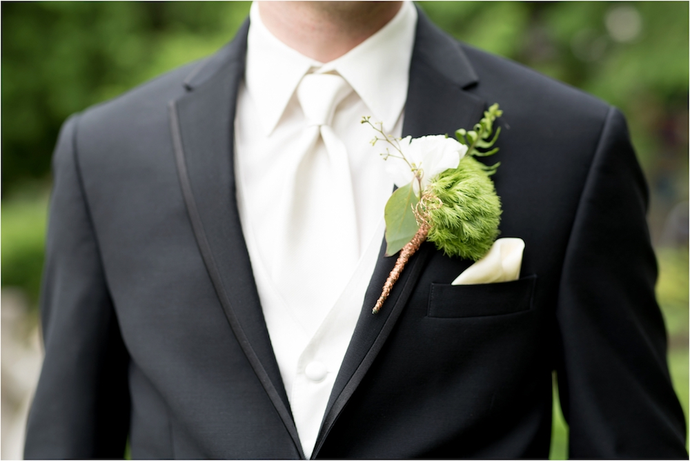 downtown-detroit-classic-elegant-wedding-photo-86.jpg