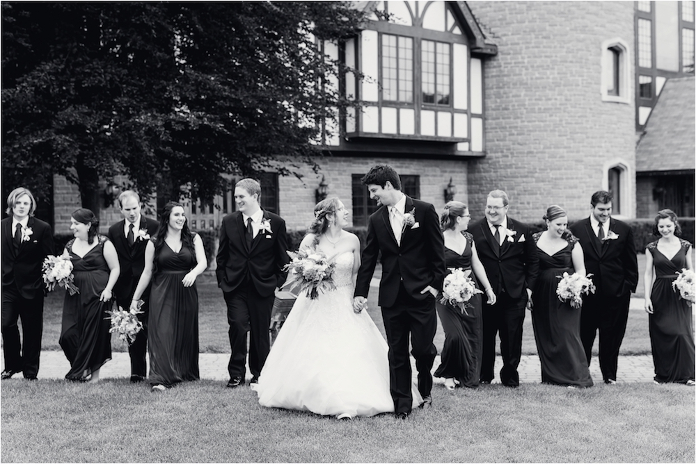 downtown-detroit-classic-elegant-wedding-photo-96.jpg