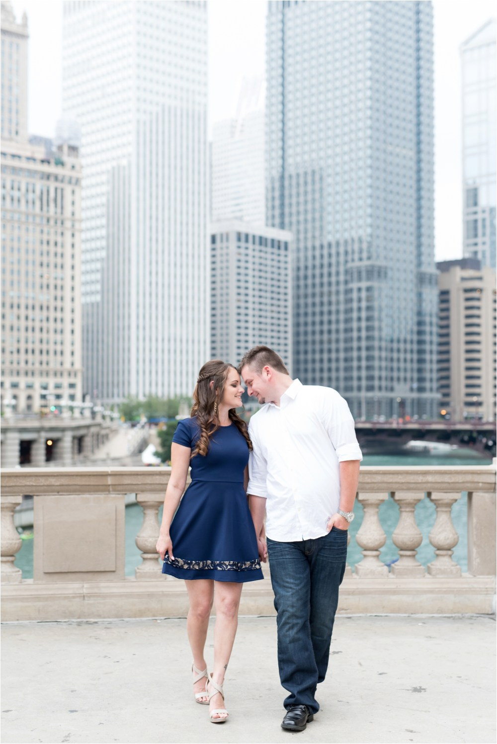 chicago-ilinois-michigna-ave-city-downtown-engagement-photo-11.jpg