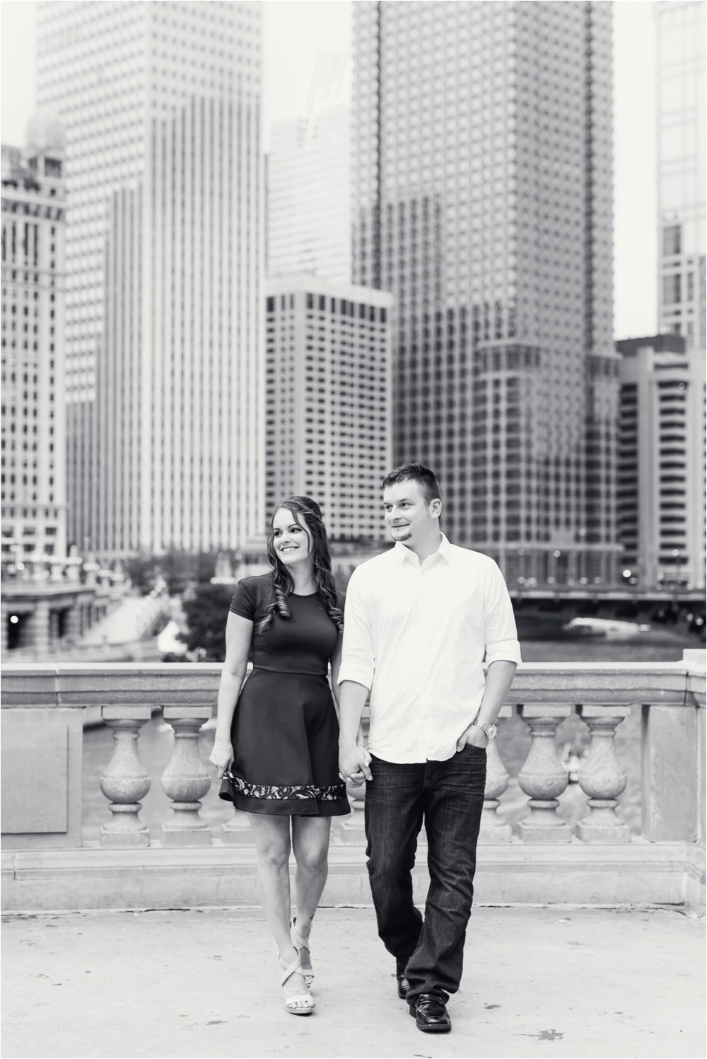 chicago-ilinois-michigna-ave-city-downtown-engagement-photo-12.jpg