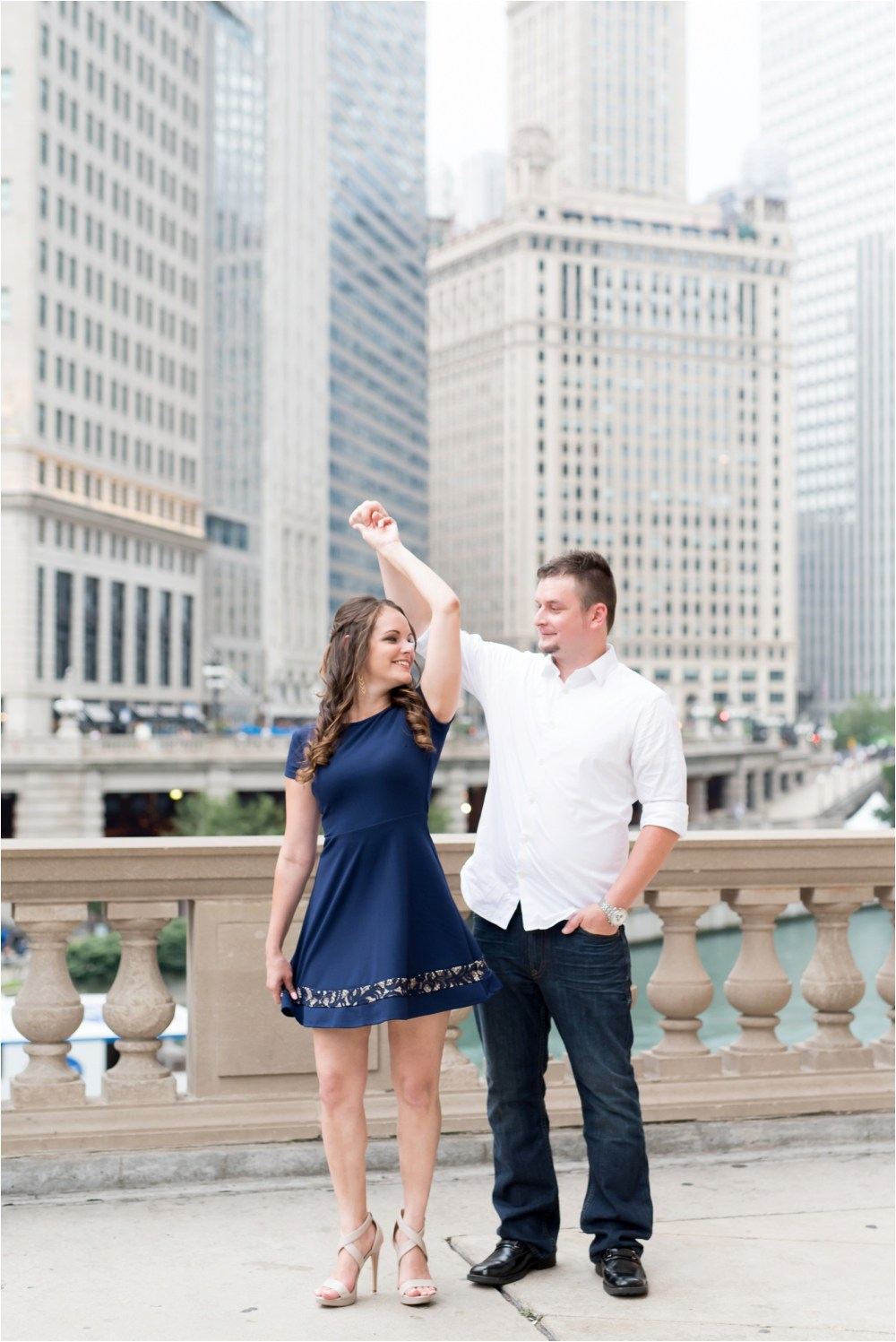 chicago-ilinois-michigna-ave-city-downtown-engagement-photo-18.jpg