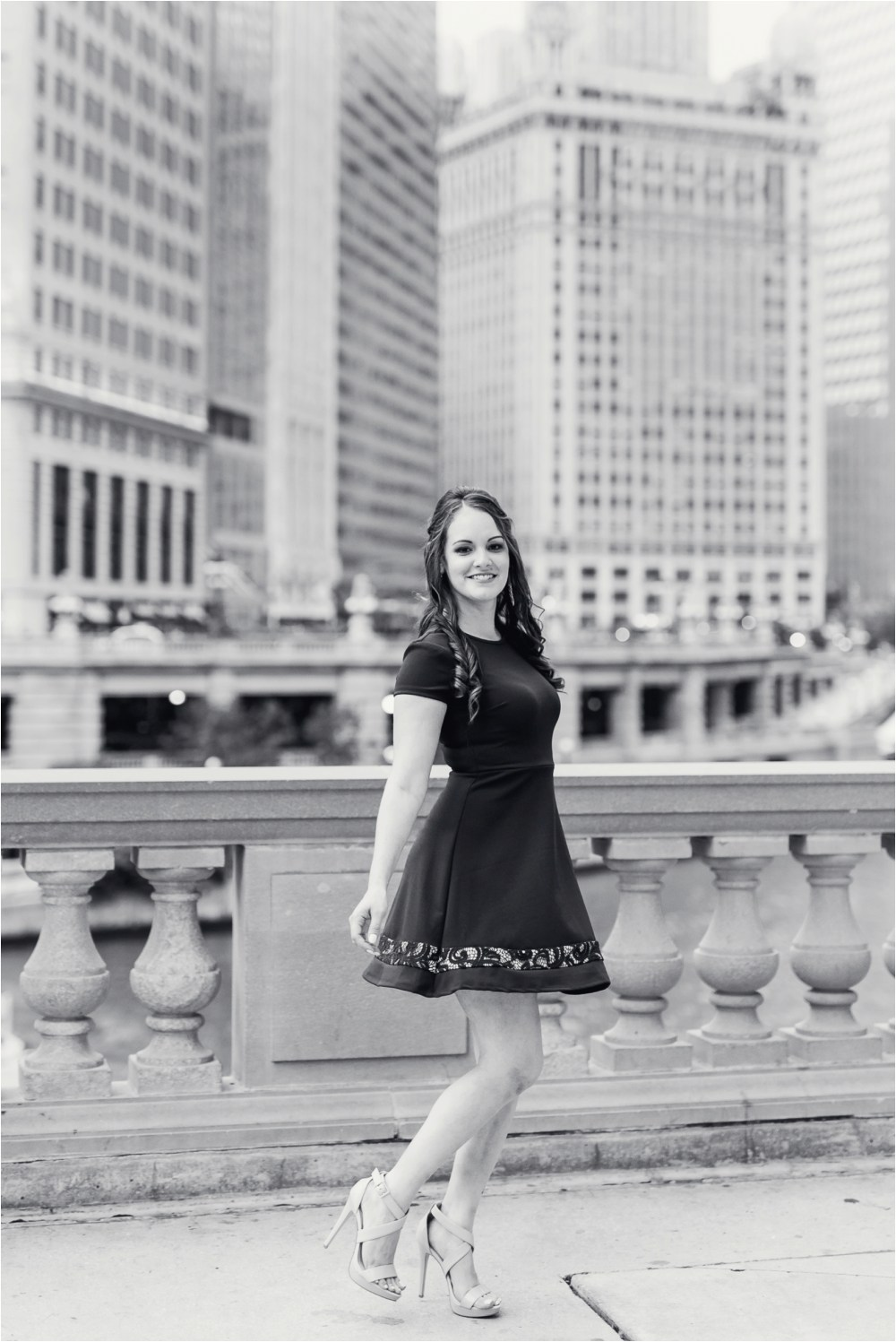 chicago-ilinois-michigna-ave-city-downtown-engagement-photo-31.jpg