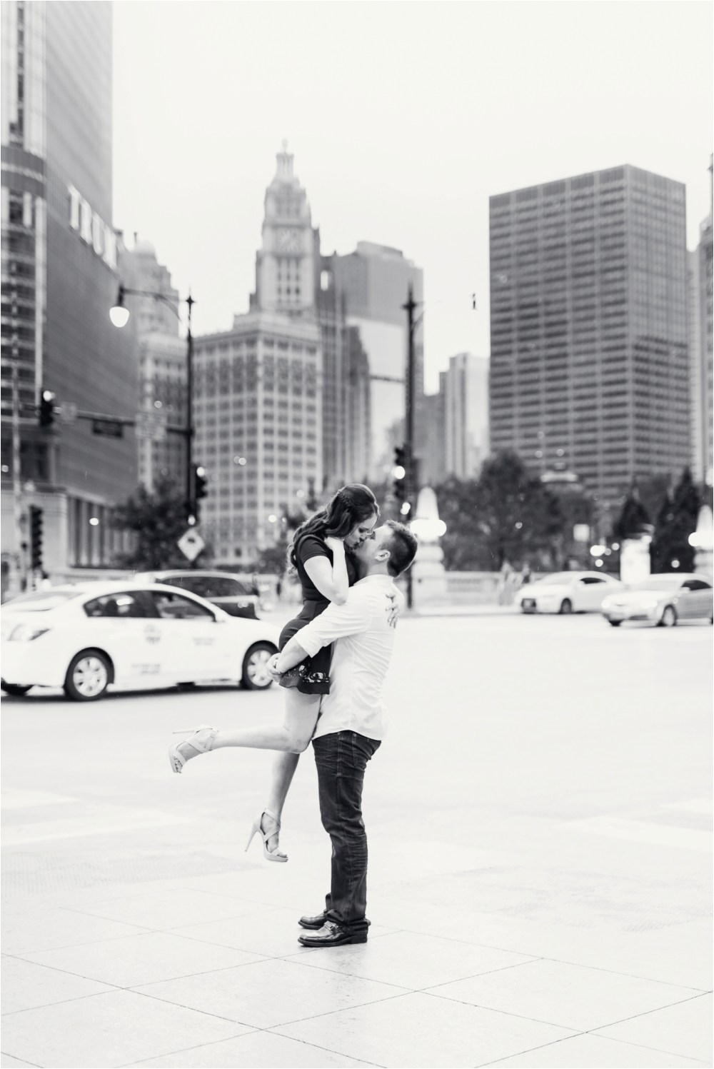 chicago-ilinois-michigna-ave-city-downtown-engagement-photo-56.jpg