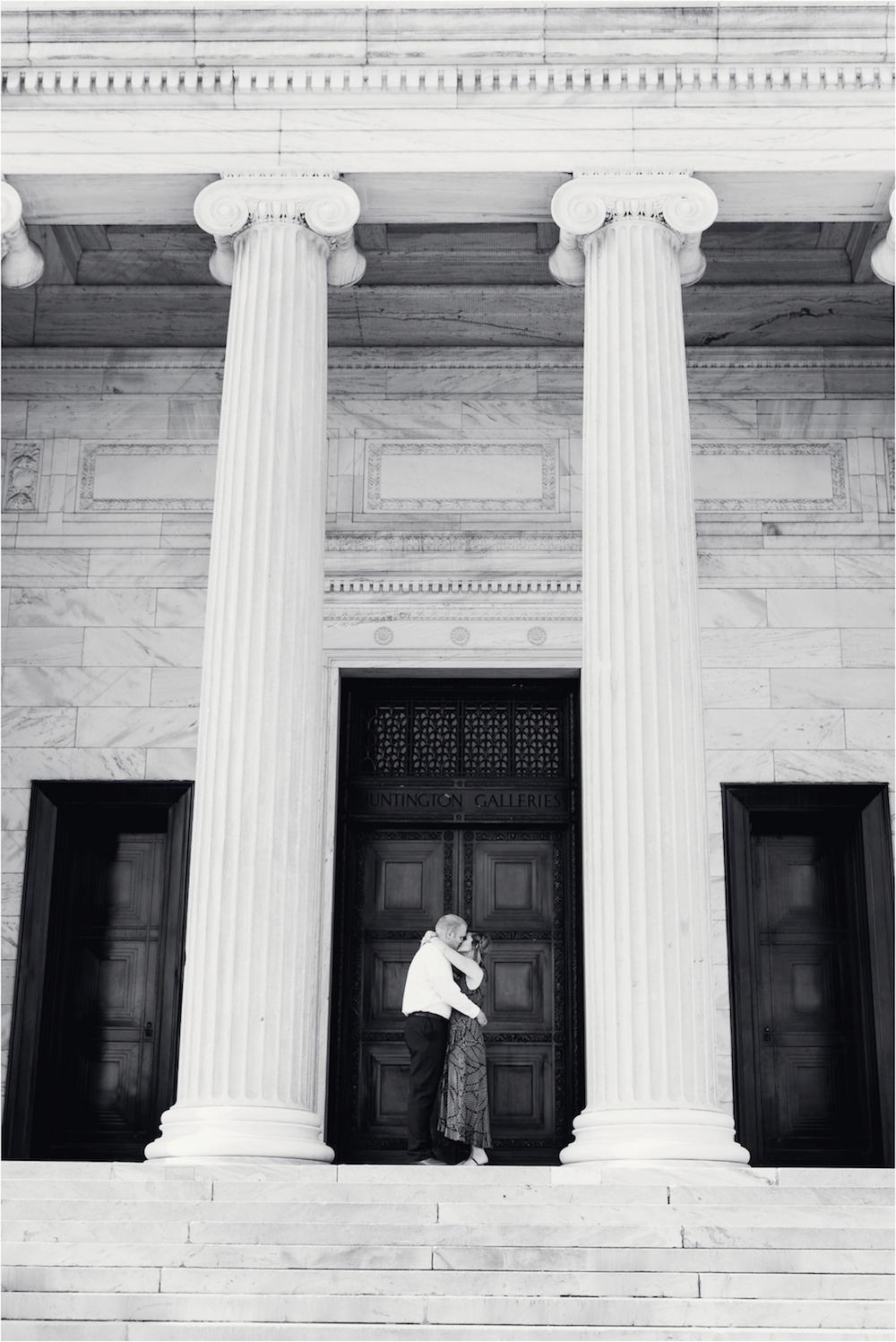 cleveland-museum-of-art-wedding-engagement-photo-24.jpg