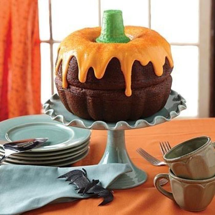 boo-tiful punkin cake for halloween