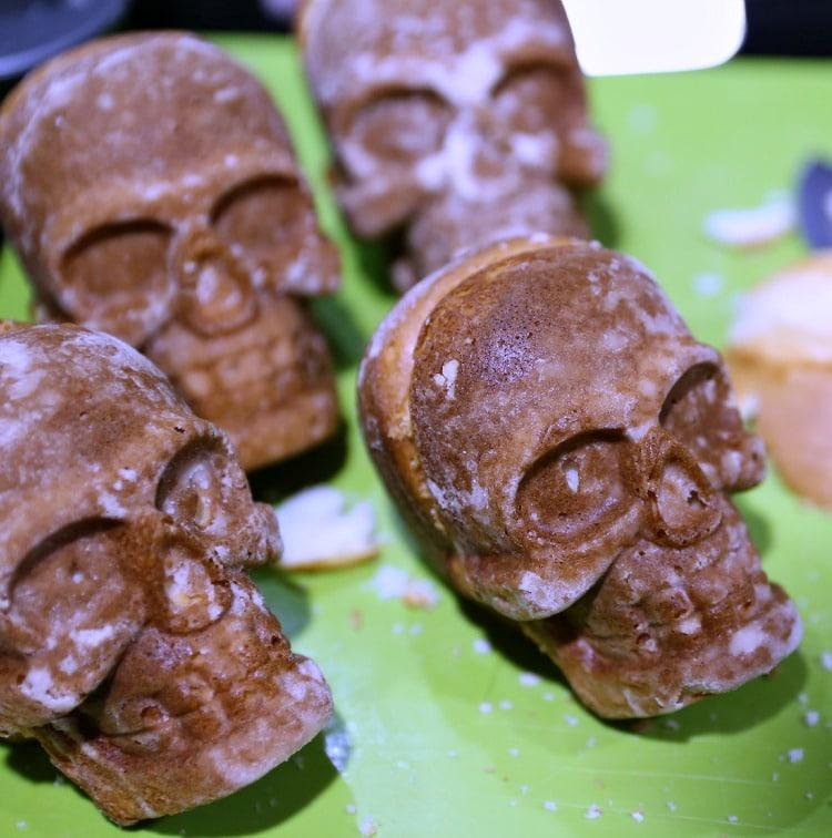how to make skull cakes