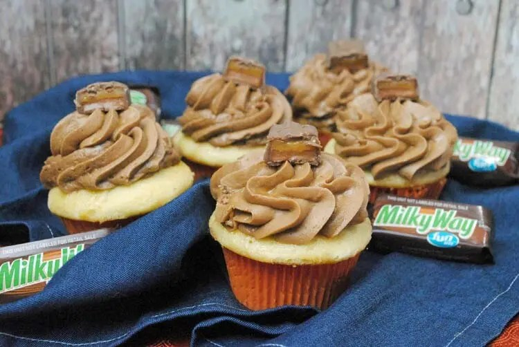 Milky Way Cupcakes 1