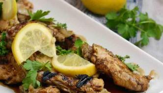 Amazing Slow Cooker Lemon & Garlic Chicken Wings Recipe You Can't Miss