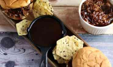 Zesty Slow Cooker Barbeque Chicken Sandwiches Recipe