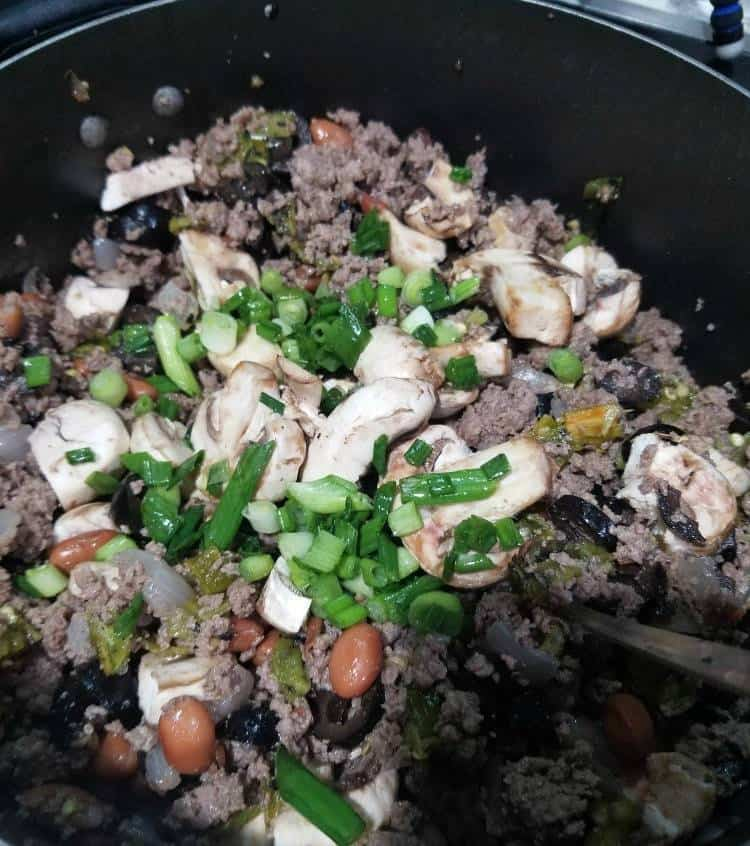 making mexican eggroll meat
