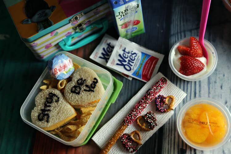 Valentine's Day Chocolate Pretzels & Lunchbox Ideas
