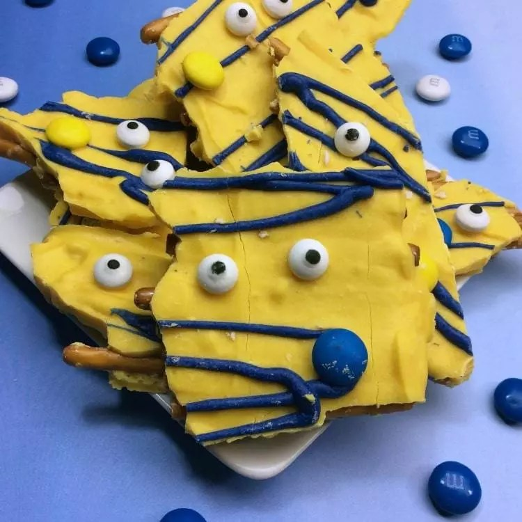 Quick & Easy Minions Pretzel Bark Recipe