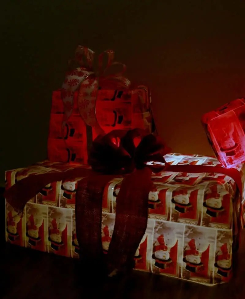 diy light up christmas gift decorations christmas diy ideas. Black Bedroom Furniture Sets. Home Design Ideas