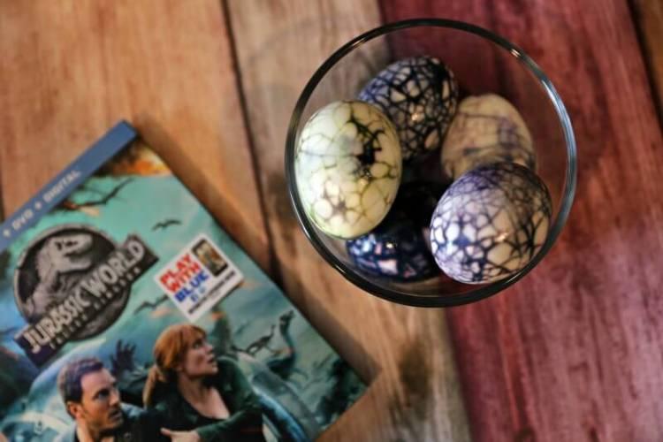 DIY Hard-Boiled Jurassic World Dinosaur Eggs